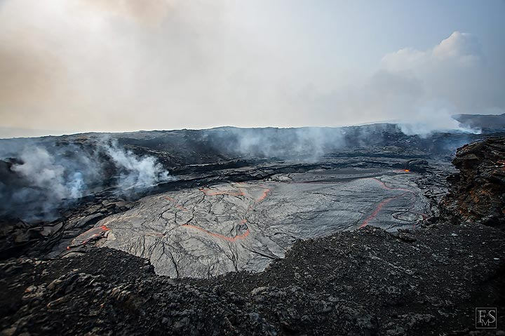 Overview of the lava lake at Erta Ale's fissure eruption site (c)