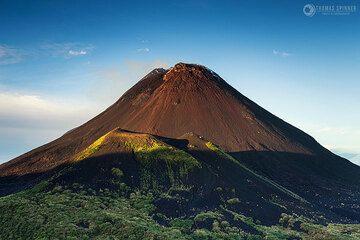 Soputan volcano (Photo: Thomas Spinner)