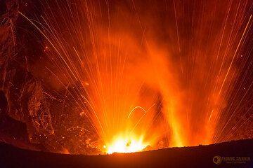 Dukono volcano: two vents erupting (Photo: Thomas Spinner)