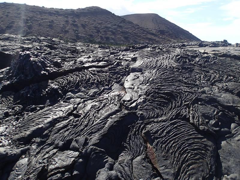 Pahoehoe lava field on Santiago volcano (Galapagos Islands) (Photo: Ursula Lehmann)