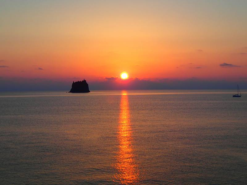 Sunset from Stromboli with view towards Strombolicchio, the remnants of an older predecessor volcano to the west of Stromboli (Photo: Ursula Lehmann)