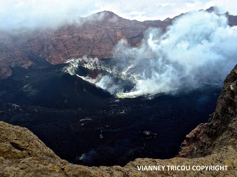 Raung volcano (East Java, Indonesia) on June 18, 2016. (Photo: V. Tricou)