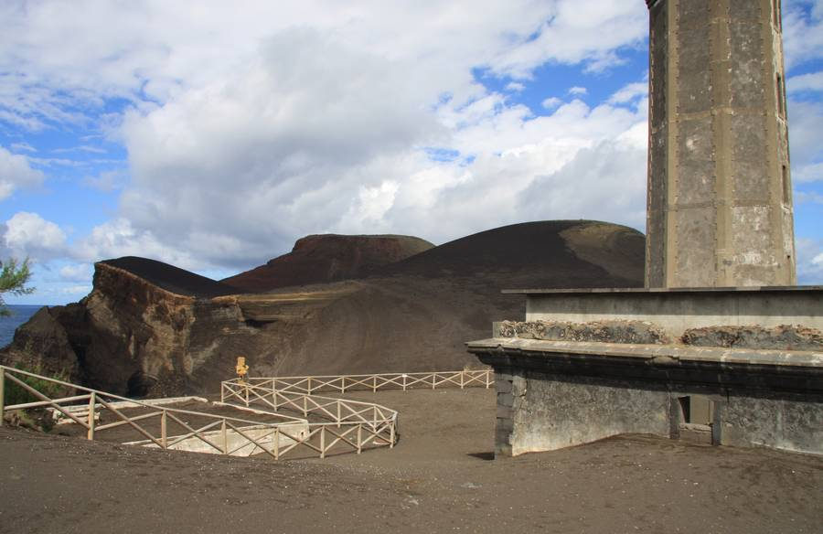 Ruins of lighttower at Ponta dos Capelinhos Faial Isl., Acores (Photo: WNomad)