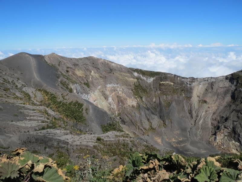 Crater Principal of Irazu Volcano, near Cartago, Costa Rica (Photo: WNomad)