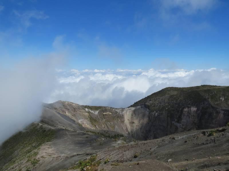 Crater El Piroclastico of Irazu Volcano near Cartago, Costa Rica (Photo: WNomad)