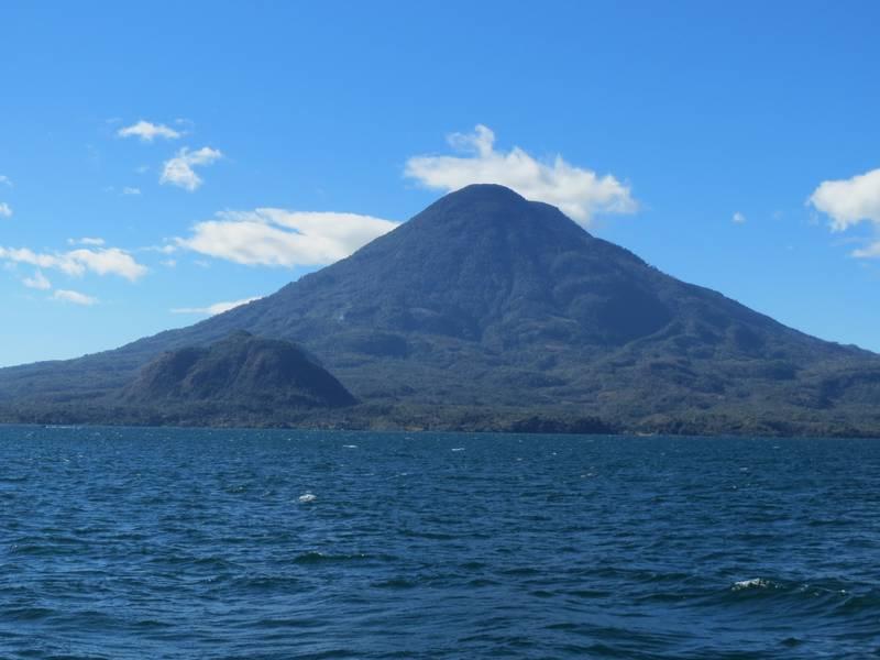 Volcano Toliman at Atitlan Lake, Guatemala (Photo: WNomad)