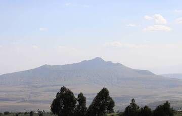 Volcano Mt. Longonot from Kijabe, Kenya (Photo: WNomad)