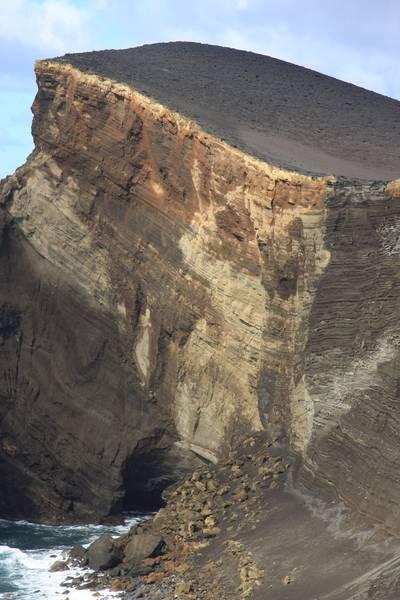 Part of Ponta dos Capelinhos, 1957 born volcanic Island at Faial, Acores (Photo: WNomad)