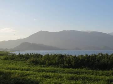 Yojoa volcano and part of lake Yojoa, view from Pito Solo, Honduras (Photo: WNomad)