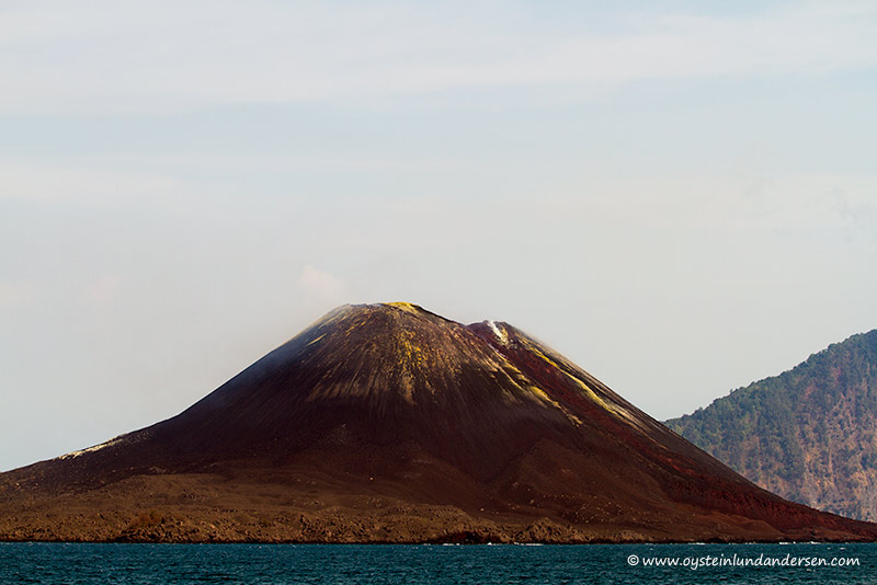 Anak-Krakatau. Seen from Verlaten Isl. (photo of 6th Oct.2012) (Photo: andersen_oystein)
