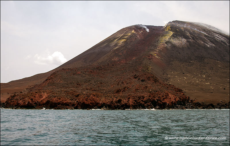 Anak-krakatau. The September 2012 lava flow on the western flank (photo of 6th Oct.2012) (Photo: andersen_oystein)