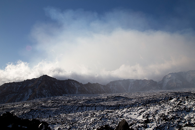 The southern headwall of the Valle del Bove (Photo: Emanuela / VolcanoDiscovery Italia)