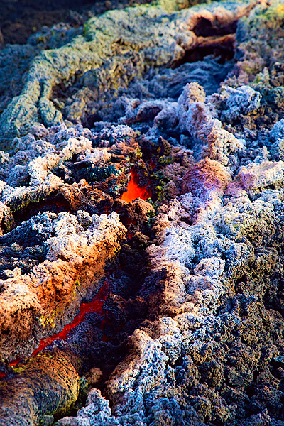 Colorful mineral deposits formed by escaping gasses above the lava tube. (Photo: Emanuela / VolcanoDiscovery Italia)
