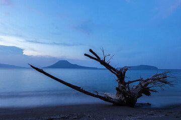 Evening mood at Krakatau (Photo: Uwe Ehlers / geoart.eu)