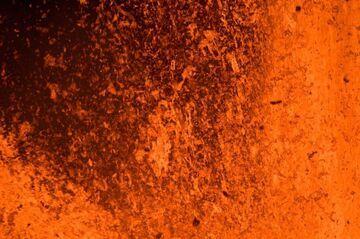 Close-up of lava fountains from Nyamuragira volcano (DR Congo) in Nov 2011 (Photo: Gian Schachenmann)