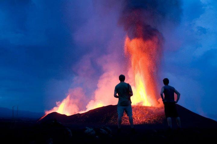 Fontane di lava dal vulcano Nyamuragira (Dott Congo) in Nov 2011 (Photo: Gian Schachenmann)