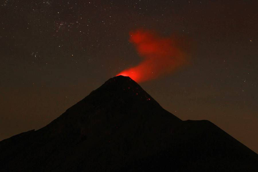Fuego from Acatenango in Guatemala on 28 March 2015. Between 1 and 2 am there were eruptions every 5 minutes. IMG_8297aaa.jpg (Photo: leos.kohout)