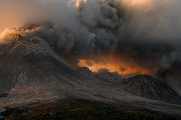 Ash venting from Montserrat's active lava dome Soufrière Hills volcano (Photo: marcofulle)