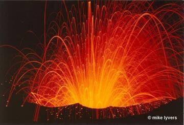 Ausbruch des Yasur Vulkan, Vanuatu (Photo: mlyvers)