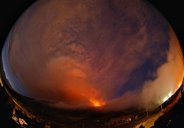 Fish eye view of the 4th Voragine paroxysm on 5 Dec 2015 (Etna volcano) (Photo: Martin Rietze)
