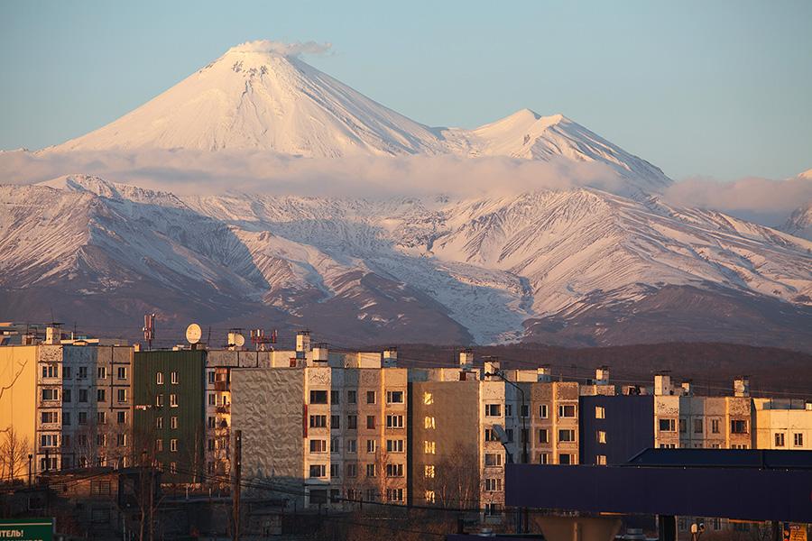 Avachinsky volcano towering above Petropavlovsk, Kamchatka (Photo: Richard Roscoe)