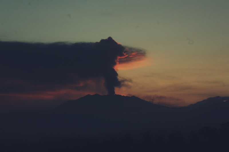 Mt Raung view from Licin (Photo: sonyxyde)