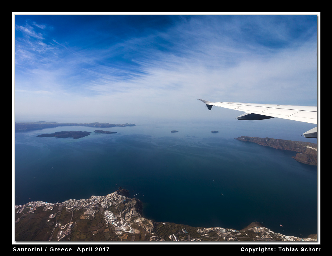 Aerial view of the Santorini caldera from the east. (Photo: Tobias Schorr)