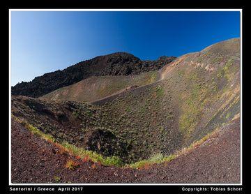 The crater of explosions from 1928 (Nea Kameni, Santorini volcano) (Photo: Tobias Schorr)