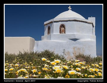 Church in Pirgos (Photo: Tobias Schorr)