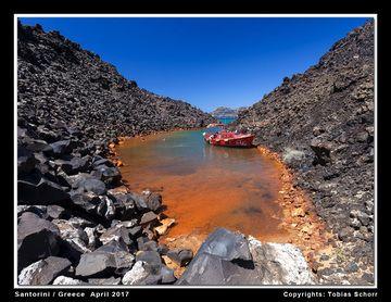 Iron-rich hydrothermal spring at Nea Kameni island, Santorini volcano (Greece) (Photo: Tobias Schorr)