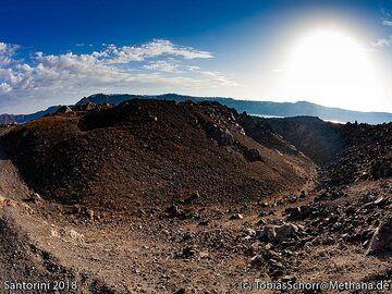 The Nautilus lava dome on Nea Kameni island. (Photo: Tobias Schorr)