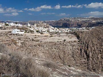 View to Acrotiri village. (Photo: Tobias Schorr)