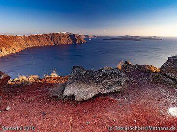 The northern part of the Santorini caldera. (Photo: Tobias Schorr)