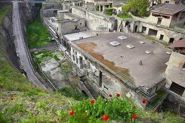Die Ausgrabungen der römischen Stadt Ercolaneo durch pyroklastische Ströme von Vesuvius Vulkan in der 79 n. Chr. Eruption begraben. (Photo: Tom Pfeiffer)