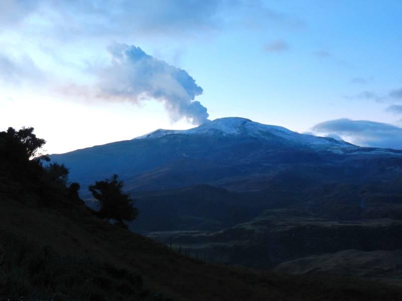 Nevado del Ruiz, Colombia at Sunrise. October, 2012 (Photo: volcanomike)