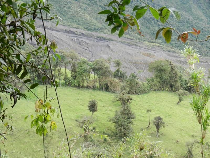 Tungurahua, Ecuador. October, 2012 (path of pyroclastic flows on into valley toward village of Pondoa). (Photo: volcanomike)