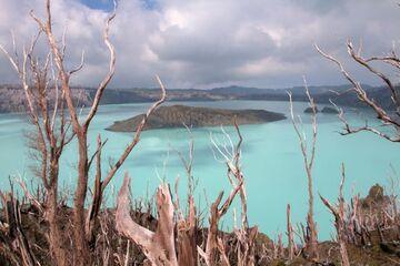 Ambae volcano, Vanuatu: photos from Oct 2013 (Photo: Yashmin Chebli)