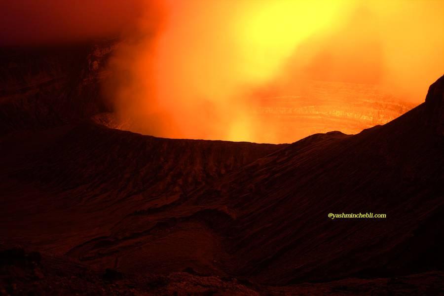 Benbow lava lake / Yashmin CHEBLI 2014 BENBOW072014_0407r.jpg (Photo: Yashmin Chebli)