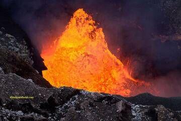 Benbow lava lake / Yashmin CHEBLI 2014 BENBOW072014_0864r.jpg (Photo: Yashmin Chebli)
