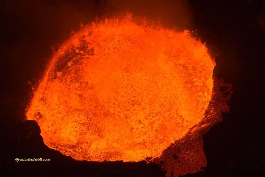 Marum lava lake / Yashmin CHEBLI 2014 Intense bubbling of the lava lake MARUM072014_0155r.jpg (Photo: Yashmin Chebli)
