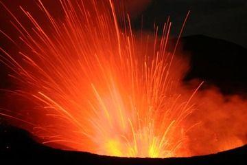 Explosion from Yasur volcano (Photo: Yashmin Chebli)