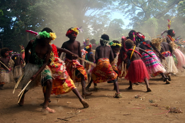 Traditional dance in a village of Tanna Island (Vanuatu) (Photo: Yashmin Chebli)