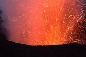 eruptionStromboyasur2010.jpg (Photo: Yashmin Chebli)