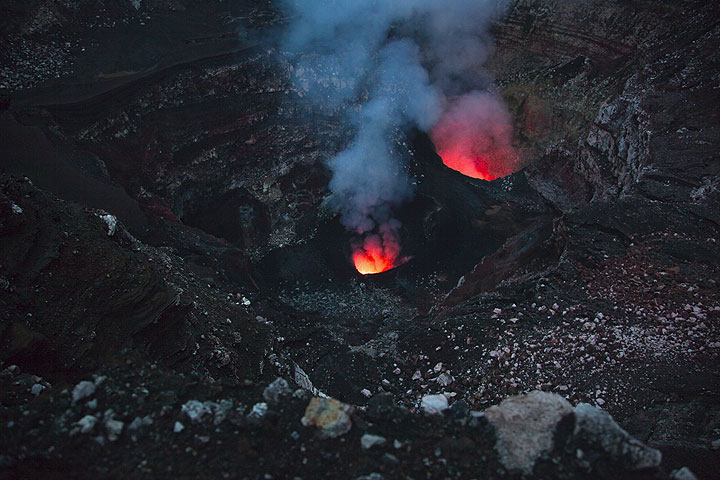 The north and south pits of Benbow crater in the evening. (Photo: Tom Pfeiffer)