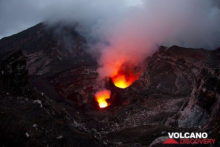 Weitwinkelaufnahme des Benbow Kraters im abendlichen Zwilicht. (Photo: Tom Pfeiffer)