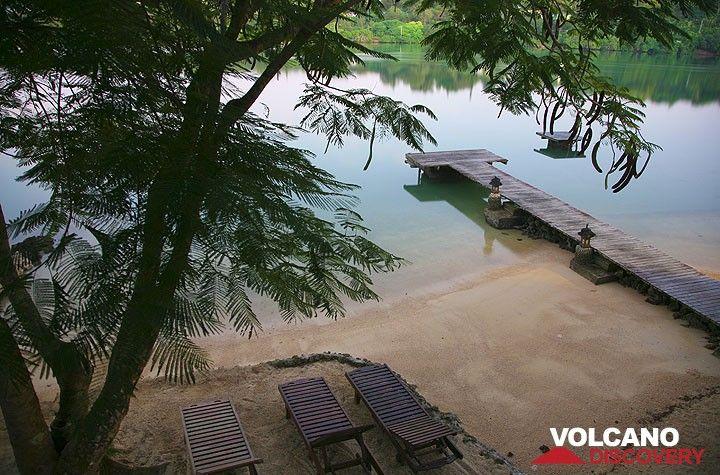 Strand in der Fatumaru Bucht (Port Vila) (Photo: Tom Pfeiffer)