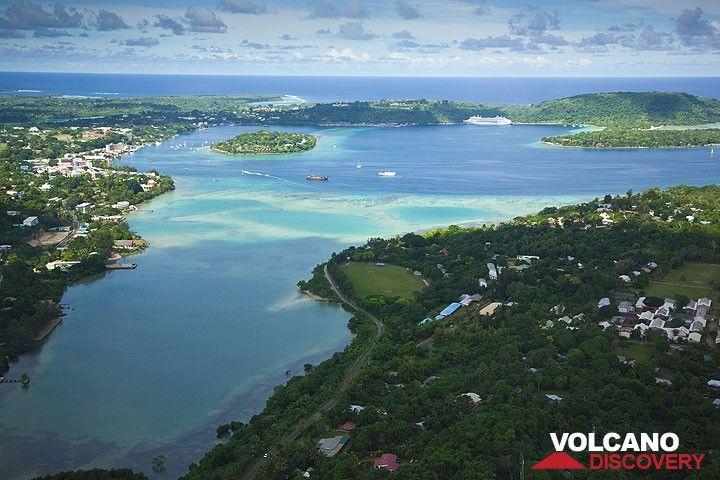 Port Vila aus der Luft (Photo: Tom Pfeiffer)