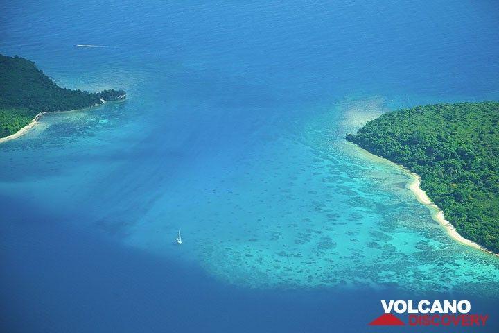 Die Inseln Epi und Tongoa (Photo: Tom Pfeiffer)