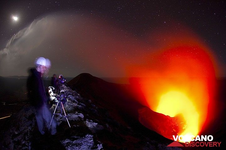 Our group on the crater rim of Yasur volcano at night (Photo: Tom Pfeiffer)