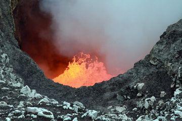 Benbow lava lake, Ambrym volcano (Vanuatu) (Photo: Yashmin Chebli)